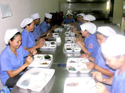 Giải Pháp Bảo Vệ Sức Khỏe Cho Các Người Lao Động